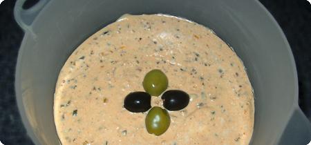 Oliven-Schafskäsecreme